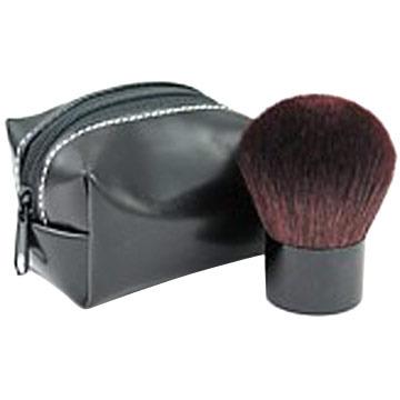 Пример кисти для макияжа кабуки