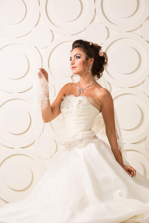 и красивые свадебные прически. Фото