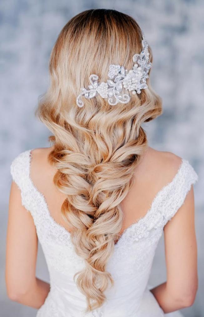 Свадебные прически из собранных волос