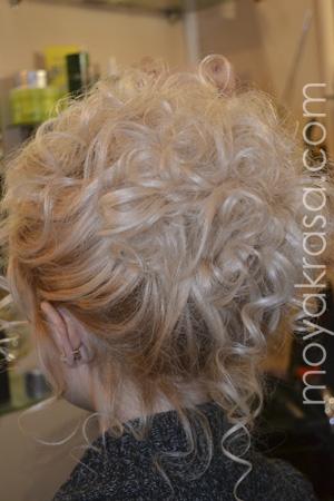 Фото 2 прически с завитыми волосами