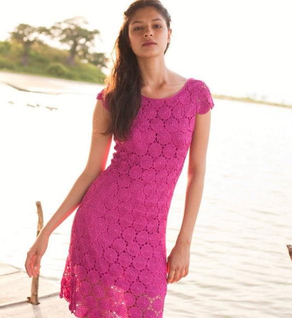с чем носить розовое платье