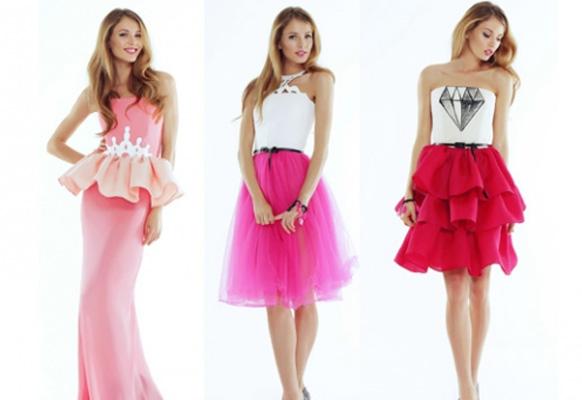 девушки в розовых костюмах