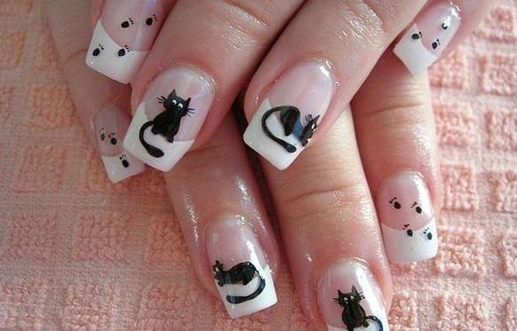 рисунок кошки на ногтях
