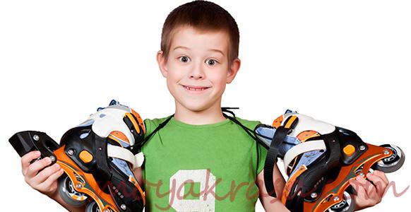 мальчик с коньками