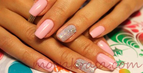 розовый двухцветный маникюр