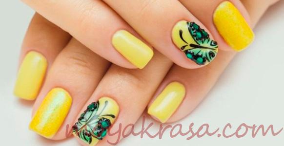 желтый маникюр с рисунком бабочки