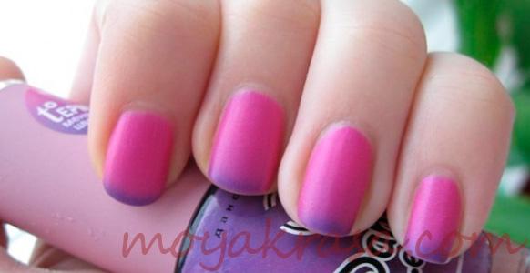 маникюр с розовым термолаком