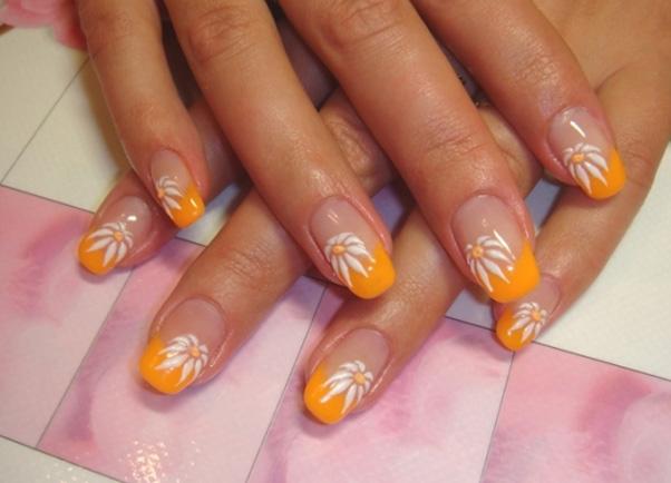 цветок на ногтях