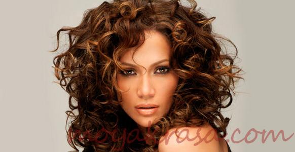 прическа на волнистые волосы
