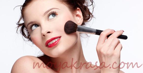 девушка и макияж