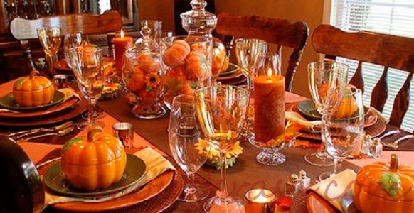 красивая сервировка стола на Хэллоуин