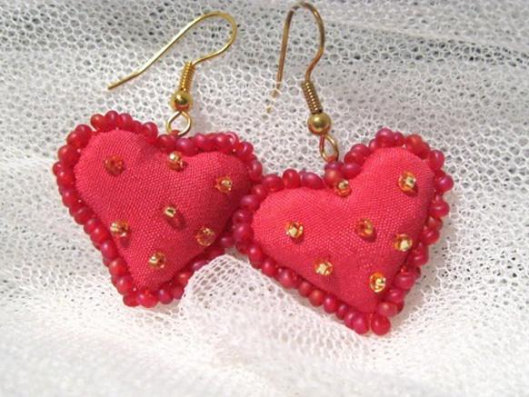 сережки в виде сердечек