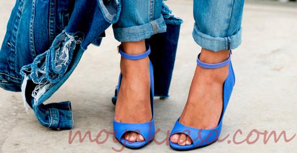 синие босоножки