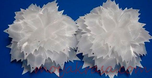 нарядные белые банты