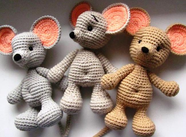 вязанные игрушки крысы