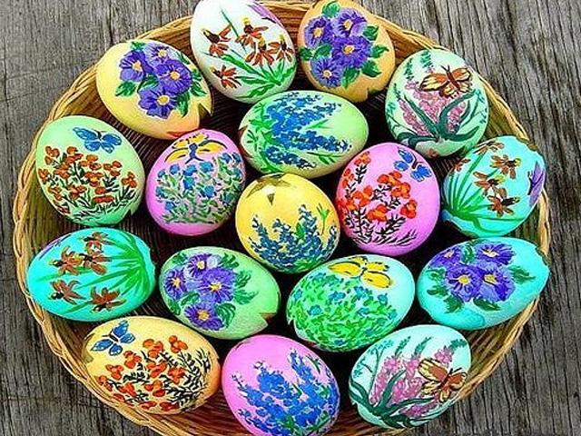 цветочки на пасхальных яйцах