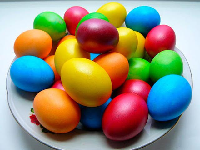 разноцветные пасхальные яйца