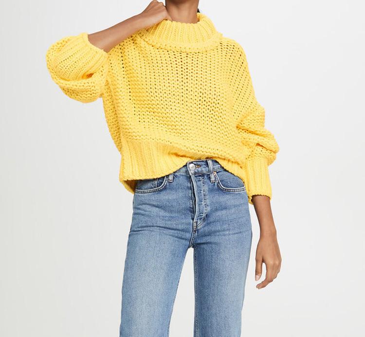 желтый женский свитер