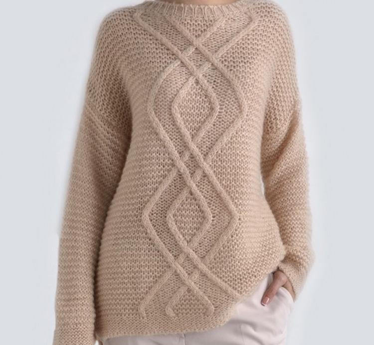женский свитер из мягкой шерсти