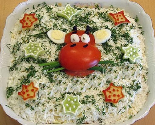 салат с помидорным оформлением
