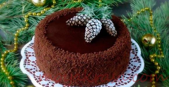 красиво оформлен новогодний торт