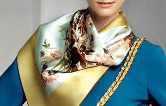 женский шейный шелковый платок